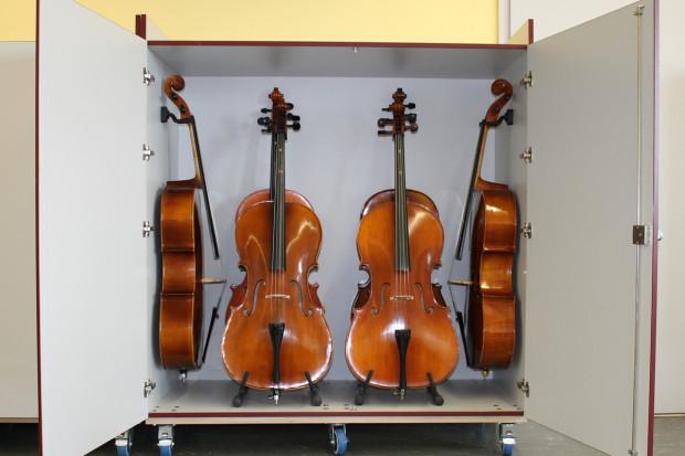 Blick in einen der Celloschränke