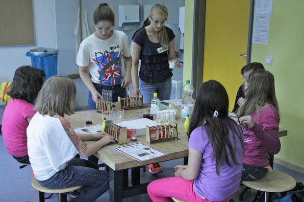 Grundschulprojekt »Schüler unterrichten Schüler«