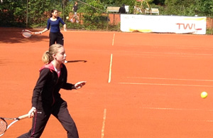 Tennis 4 300*194